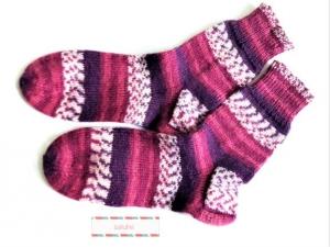 Wollsocken in Größe 32/33 handgestrickt  weinrot, lila, beige gemustert für Mädchen und Jungen