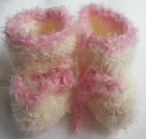 Puppenschühchen handgestrickt in weiß für Puppenfüsse von 5 bis 7 cm  - Handarbeit kaufen