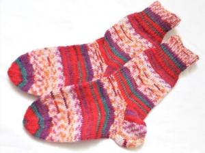 Wollsocken in Größe  28/29 handgestrickt  bunt gemustert geringelt für Mädchen und Jungen  - Handarbeit kaufen