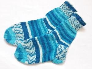 Wollsocken handgestrickt in Größe  24/25 türkis gemustert geringelt   für Mädchen und Jungen