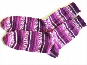 Wollsocken handgestrickt  in Größe  46/47, geringelt mit weinrot in vielen Facetten und beige für Frauen und Männer  - Handarbeit kaufen