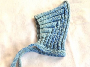 Babymütze, Zwergenmütze, Strickmütze handgestrickt für neugeborene Mädchen und Jungen KU 42-46 cm  - Handarbeit kaufen