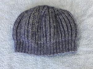 Wollmütze handgestrickt in dunkelblau meliert Größe M für Frauen und Männer - Handarbeit kaufen