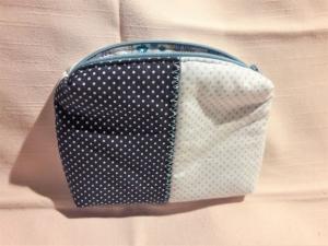 Kosmetiktasche in dunkelblau mit weißen Pünktchen und weiß mit hellblauen Pünktchen, Universaltasche  - Handarbeit kaufen