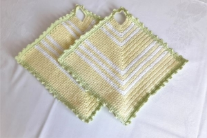 Topflappen gehäkelt in gelb, weiß und hellgrün - ein Hingucker in der Küche - Handarbeit kaufen