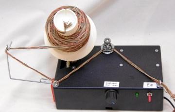 Selbstgefertigter kompakter Elektrischer Wollwickler 230V, ca. 150g