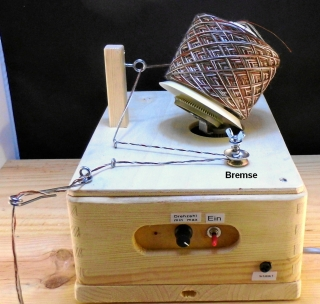 Elektrischer Wollwickler  Kreuzwickler geregelt, bis 8 Fäden ca. 150 g