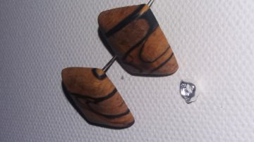Sehr schöne Ohrstecker mit Toller Maserung aus gestockter Birke Rechteckig