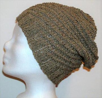 Handgestrickte Mütze - Beanie, in braun