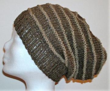 Handgestrickte Mütze - Beanie, in braun mit 30% Seide