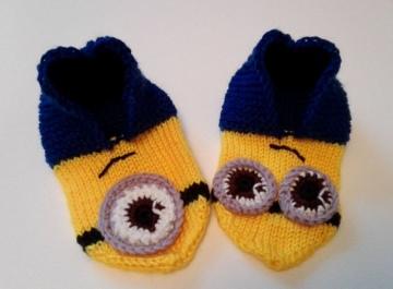 Handgestrickte Minions Hausschuhe für Kinder Gr. 28-31