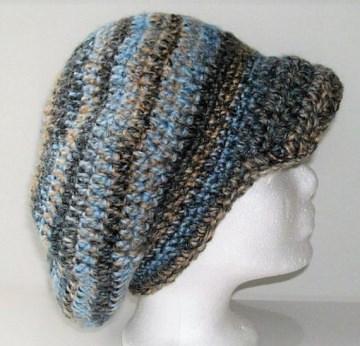Gehäkelte Mütze -Schirmmütze in blau und braun