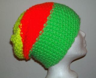 Handgestrickte Mütze - Beanie in neon