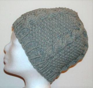 Handgestrickte Mütze - Beanie in grau mit Baumwolle und Zopfmuster