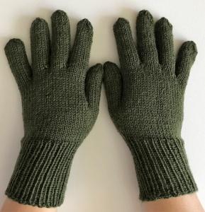 Handschuhe , Fingerlinge aus Sockenwolle in jägergrün