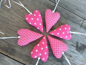 Verkaufe sechs mit Liebe genähte Herzen in pink,Stoffherzen,Stoffanhänger