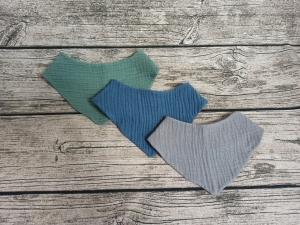 3 er Set Baby Dreiecktuch, Halstuch aus Musselin, Sabbertuch, Lätzchen von 0 bis über ein Jahr verschiedene Größen - Handarbeit kaufen