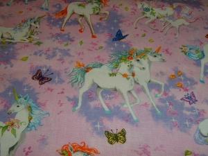 Einhorn Regenborgen rosa  Schmetterling  Baumwolle Patchworkstoff Nutex Pferd