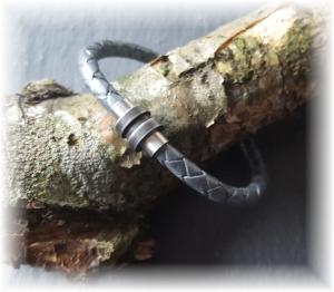 #Jace# sportliches handgefertigtes Lederarmband mit auffallendem Edelstahl-Magnetverschluss in silber-grau für Männer