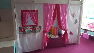Hochbettvorhang für Kinder mit Theatereingang  Fräulein Storchenbein