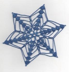 Schneesterne mal anders--hier aus blauem Polyestergarn als Fenster-oder Baumschmuck-Advent-Weihnachten-Häkelsterne-Häkelarbeit-gehäkelt-Deckchen-Aufhänger-Anhänger(Kopie id: 100123