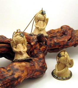 Keramik-Schutzengel, handgetöpfert, hängend