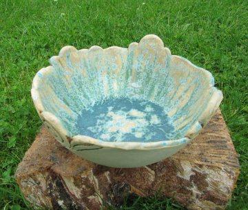 Schale aus Keramik, dekorativ, handgetöpfert, türkis