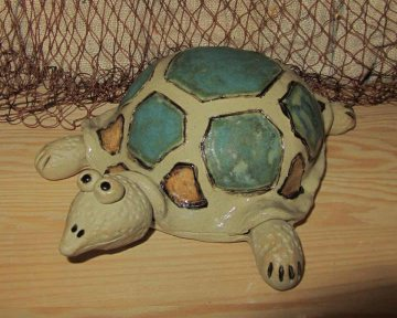 Keramik-Schildkröte *Emil*, handgetöpfert