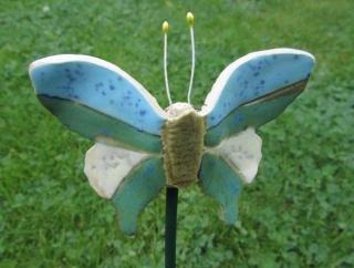 Keramik-Stecker-Schmetterling, frostfest, hellblau-türkis-weiß