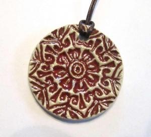 Mandala Keramik Kettenanhänger rot (Muster1)