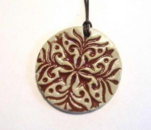 Mandala Keramik Kettenanhänger rot (Muster 3)