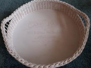 Handgeflochtenes rundes Korbtablett aus Peddigrohr, weiß, Durchmesser 44 cm  - Handarbeit kaufen
