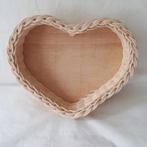 Handgeflochtener Korb aus Peddigrohr, Herzform , natur