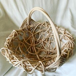 Handgeflochtener Erntekorb aus Peddigrohr,Nestgeflecht, naturfarben  - Handarbeit kaufen