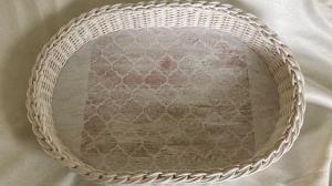 Handgeflochtenes Korbtablett aus Peddigrohr, weiß mit Wabenmuster, VintageART - Handarbeit kaufen