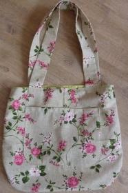 Umhängetasche im Romantiklook kaufen~*~ Schultertasche/Einkaufstasche, genäht  aus Stoff~ Blumenranken - Handarbeit kaufen