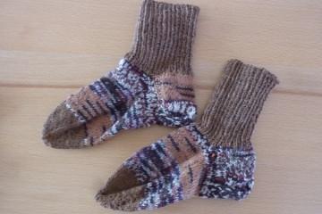 Kindersocken ~ Söckchen handgestrickt aus Wolle kaufen ~ warme Füße ~ Kuschelsocken - Handarbeit kaufen