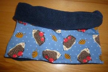 Kinderloop ~ kuscheliger Schlauchschal mit Igeln in blau kaufen ~ Halssocke ~ aus Jersey + Fleece genäht ~ Schlupfschal - Handarbeit kaufen
