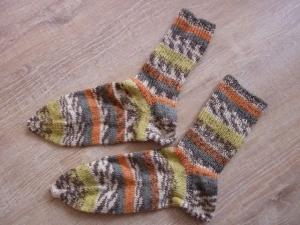 Socken ~ Strümpfe handgestrickt aus Schurwolle in orange - grau kaufen ~ ~Kuschelsocken ~ warme Füße