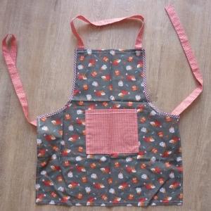 Kinderschürze aus Baumwollstoffen mit Tiermotiven in grau - rot genäht kaufen ~ Backen ~ Kochen lernen ~ Basteln oder Werkeln