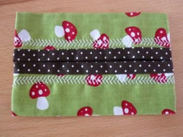 Taschentücher Tasche genäht aus Baumwollstoffen mit Pilzen und Pünktchen kaufen * TaTüTa* Kosmetiktäschchen ~ griffbereite Taschentücher - Handarbeit kaufen