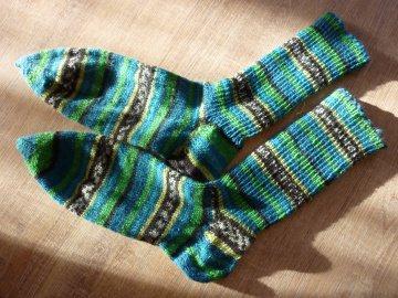 Socken, handgestrickt aus Schurwolle in blau-grün kaufen~ Strümpfe ~ Kuschelsocken ~ *~ warme Füße ~