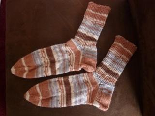 Socken handgestrickt aus Schurwolle mit Viskose kaufen ~ gestreifte Strümpfe ~ Kuschelsocken ~ warme Füße - Handarbeit kaufen