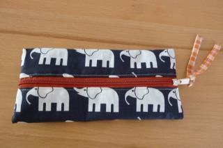 Taschen ~/~ Federmäppchen  aus Baumwollstoffen mit Elefanten genäht kaufen ~/~ Etui~/~ Federtasche ~/~ Schlampermäppchen - Handarbeit kaufen