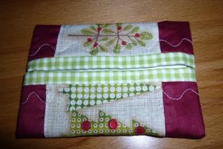 Taschentücher Tasche genäht aus Baumwollstoffen kaufen* TaTüTa * Kosmetiktäschchen zu Weihnachten ~ griffbereite Taschentücher    - Handarbeit kaufen