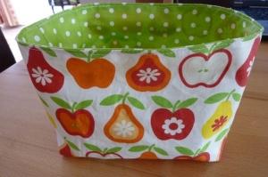 Utensilo * Obstkorb * Brötchenkorb * Aufbewahrungskorb aus Baumwollstoff und Wachstuch kaufen * genähtes Körbchen