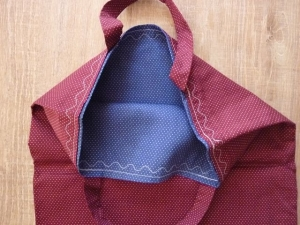 Einkaufstasche oder Stoffbeutel  aus Baumwollstoffen genäht in weinrot und blau kaufen~*~  Pünktchen-Shopper/Wendetasche