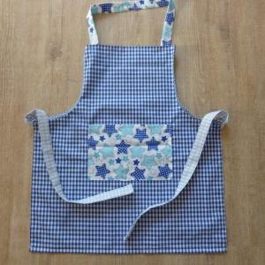 Kinderschürze mit ** Sternen ** aus Baumwollstoffen genäht in blau-weiß kaufen ~ Backschürze ~ Kochschürze ~Kaufladen ~ *