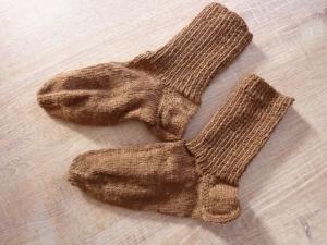 Handgestrickte Kindersocken aus Schurwolle in rehbraun kaufen~ Söckchen ~ Kuschelsöckchen für warme Füße - Handarbeit kaufen