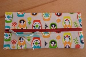 Taschen ~ Täschchen ~ Mäppchen ~ Etui ~ Stiftetäschchen genäht aus Baumwollstoff mit Matroschkas kaufen - Handarbeit kaufen